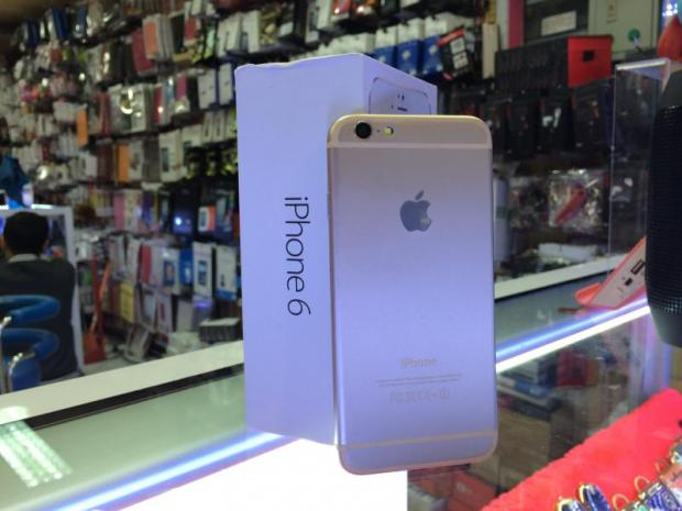 dealers in thailand have not yet settled on the retail price of the new apple iphone 6 which was launched in the us yesterday but fake models running on