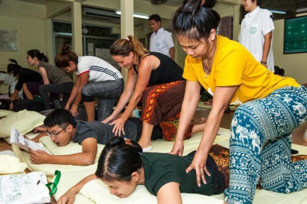 thai massage bjæverskov hvordan giver man tantra massage