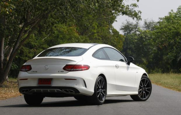 The C43 Maintains Everyday Comfort Of Regular Coupe Models