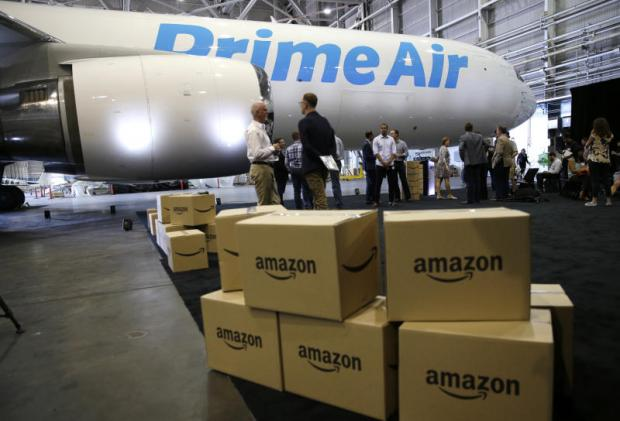 Top retailers locked in game of shipping tag
