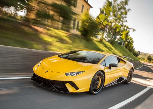 Lamborghini Huracan Performante (2017) review