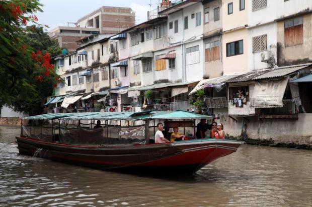 New canal service offers slow boats to Bang Lamphu