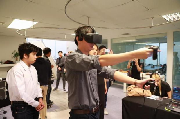 Intensive training courses for those interested in VR technology