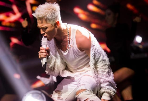 A white night with Taeyang