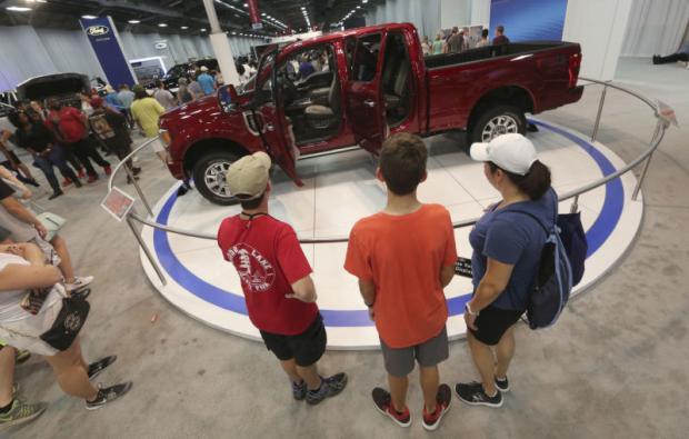US pickup truck buyers demanding more luxury