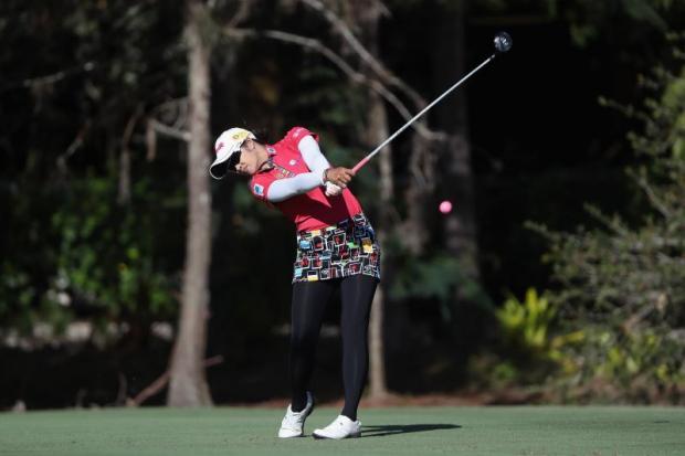 Park takes control at LPGA finale after  front nine birdie spree