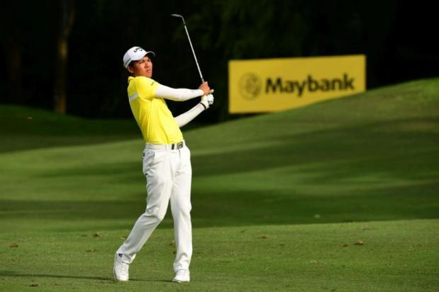Lee Westwood one shot behind leaders at Maybank Championship