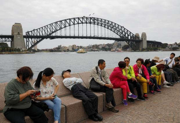 China replaces NZ as Australia's top tourist source