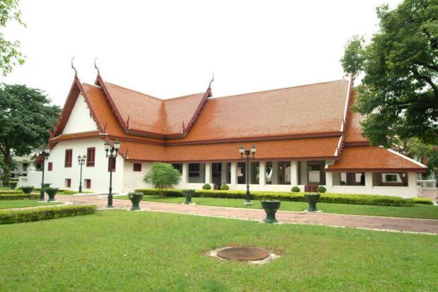Thon Buri Palace waives admission fees