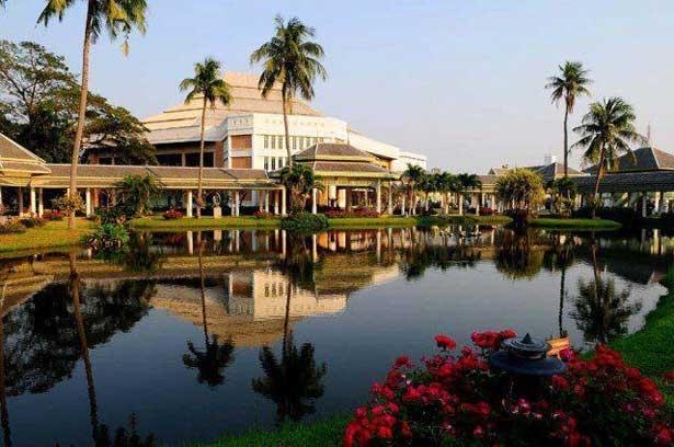 Silpakorn University, Sanam Chandra Palace Campus ...